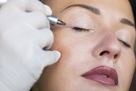 permanent makeup-tatuaj