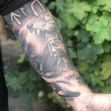 tatuirovki-dlya-lyubitelej-vikingov-i-skandinavskoj-mifologii-27